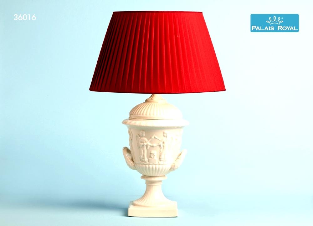 Lampada In Porcellana Con Decoro Antico Con Cappello Rosso